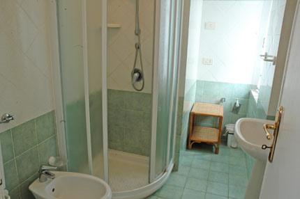 S andrea apartments denise loc cotoncello elba island for Bagno 6 mq