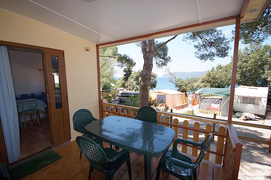 <b>Camping Calanchiole Bungalow Provenza