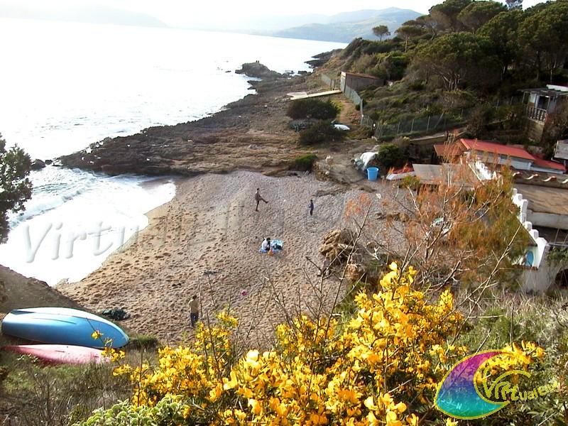 Spiaggia degli stecchi capoliveri isola d 39 elba 100 m for Soggiorno isola d elba