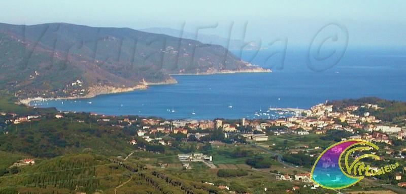 Marina di campo il paese offre varie strutture d for Soggiorno isola d elba