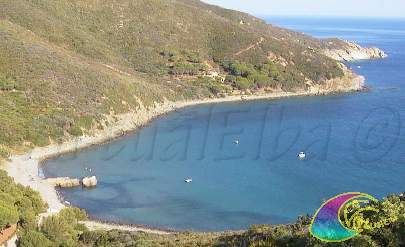 Spiaggia di fonza isola d 39 elba 200 m sabbia e ghiaia for Soggiorno isola d elba