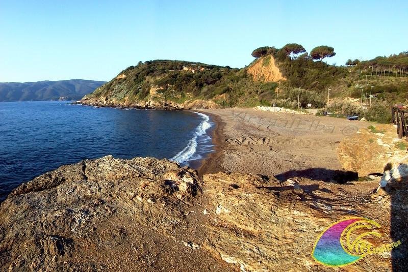 Spiaggia reale porto azzurro isola d 39 elba 100m sabbia e for Soggiorno isola d elba