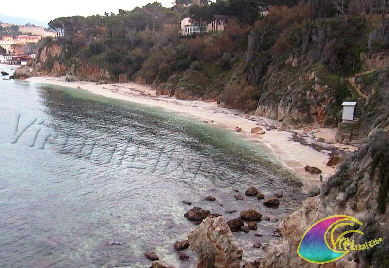 Spiaggia cala dei frati 120m ghiaia isola d 39 elba for Soggiorno isola d elba