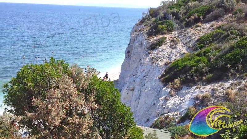 Spiaggia capo bianco isola d 39 elba portoferraio 350 m ghiaia for Soggiorno isola d elba