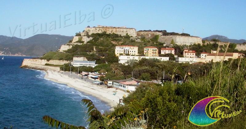 Spiaggia le ghiaie 400 m portoferraio isola d 39 elba for Soggiorno isola d elba