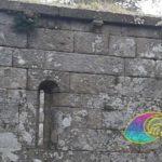 Le strette monòfore ad illuminare linterno della Pieve di San Giovanni