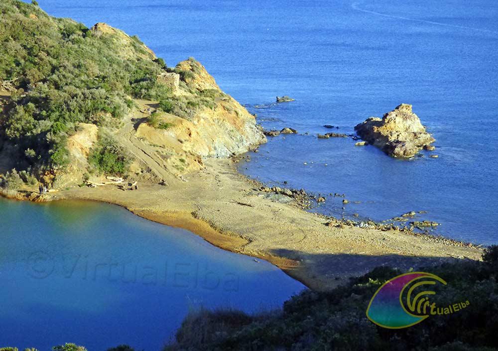 Spiaggia e laghetto di Terranera