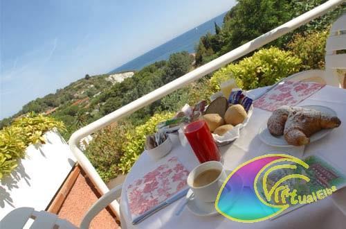 Terrazza con vista mare Hotel Acquamarina
