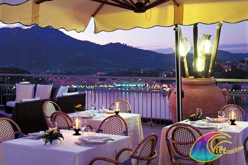 Hotel Elba International