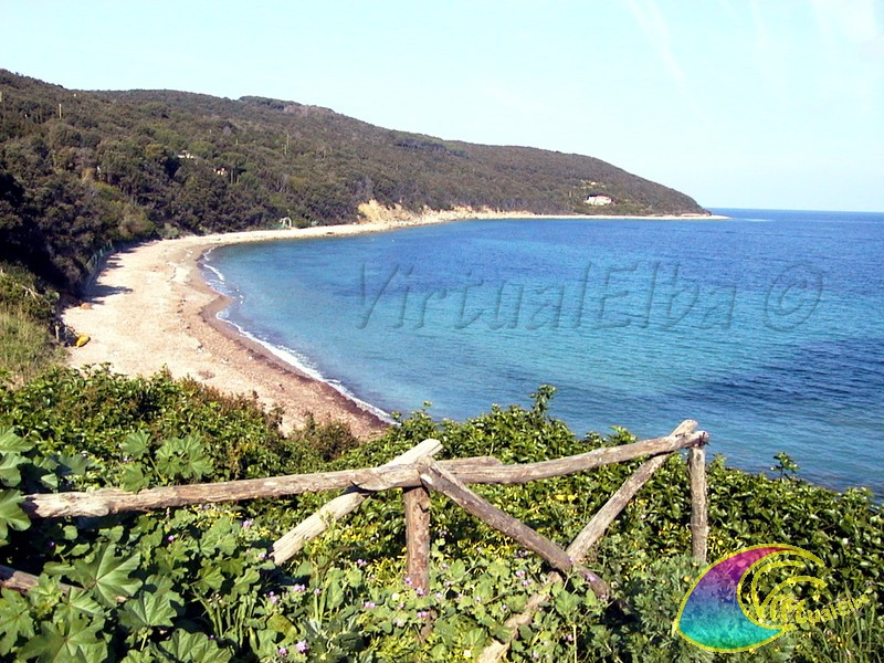 Spiaggia Capo Castello Frugoso