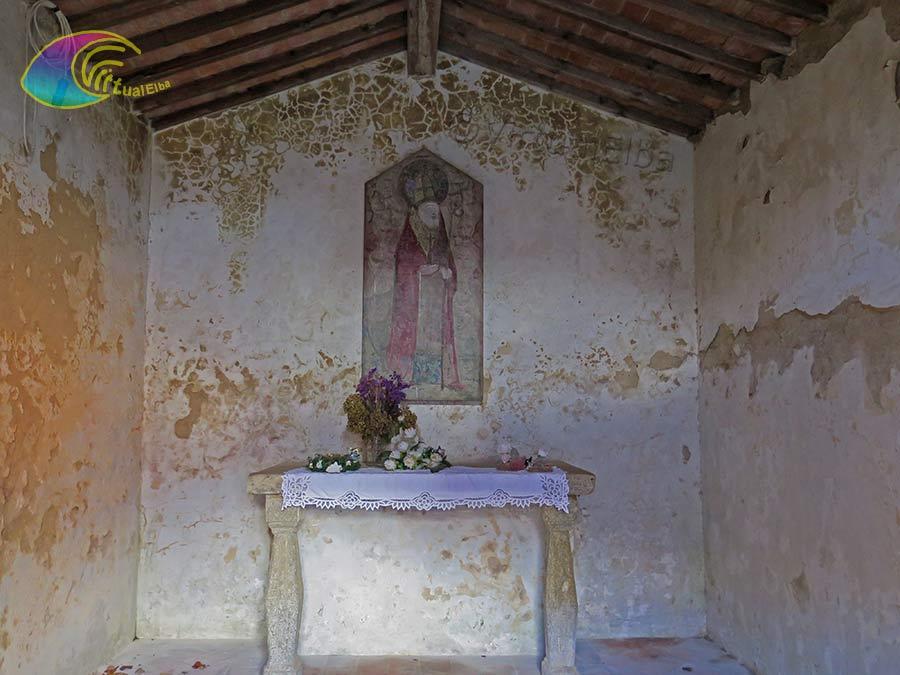 L'altare con l'affresco San Liborio