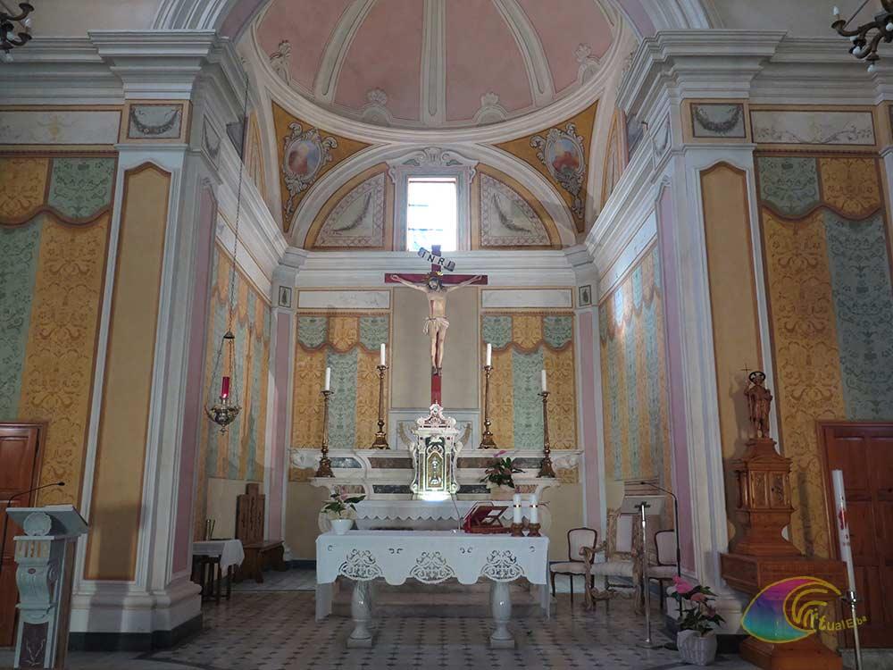 Altare centrale con la Crocifissione